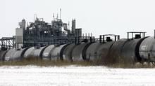 Canexus has an emerging business loading crude oil onto rail cars. (J.P. MOCZULSKI/REUTERS)
