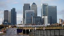 The Canary Wharf financial district is seen in east London. (© Suzanne Plunkett / Reuters)