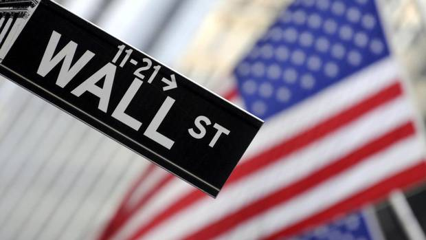 Human traders strike back at the stock market robots