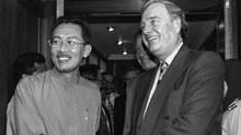 Anwar Ibrahim and Paul Martin in 1995: a clear expression of international concern (C.F. Tham/AP)