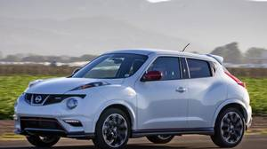 <p> 2014 Nissan Juke NISMO has lightweight 18-inch aluminum-alloy wheels. </p>