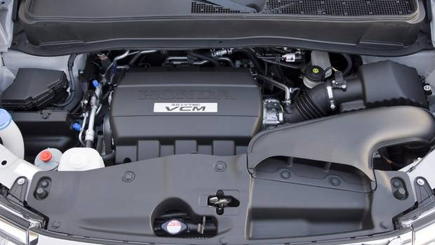 Why your car 39 s engine might be knocking hint it 39 s not for Motor oil 101 answers