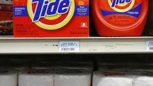 U.S.-based online retailer Amazon is taking on rivals in Canada such as Shoppers Drug Mart Corp. and Loblaw Cos. Ltd. by offering everyday staples like detergent. (JOSHUA LOTT/REUTERS)