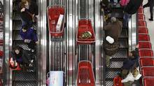 U.S. shoppers at a Target store in Chicago last Novemeber. For the first time in years, the economic news out of the U.S. is encouraging. (JOHN GRESS/REUTERS)