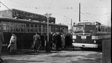 People board buses on Yonge, north of Eglinton, in this file photo. (John Boyd/The Globe and Mail)