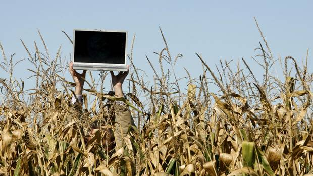 Wireless spectrum auction could mean faster internet for for Rural net cool ca