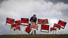 For Sale and Open House signs. (John Lehmann/The Globe and Mail)