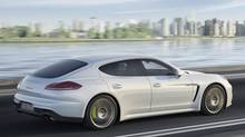 2014 Porsche Panamera Hybrid (Porsche)