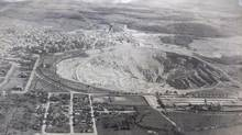 The open pit of the now-closed Jeffrey mine in Asbestos, Que., is seen in a 1955 photograph. (Paul Chiasson/THE CANADIAN PRESS)
