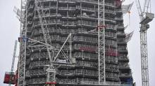 Construction work is seen on architect Renzo Piano's Shard tower at London Bridge in central London October 26, 2010. (TOBY MELVILLE/REUTERS/TOBY MELVILLE/REUTERS)