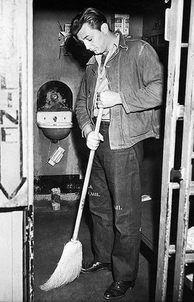 """ROBERT MITCHUM Affectionately referred to as """"Hollywood's First Stoner,"""" Mitchum was already an established film actor–and Oscar-nominee–when he was arrested for smoking """"reefer"""" at the home of B actress Lila Leeds in August, 1948. An L.A. judge handed Mitchum two years, of which he ended up spending 60 days behind bars. Upon release, he simply picked up his acting career where he left off."""