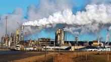 View of the Syncrude oil sands extraction facility near Fort McMurray, Alta. (MARK RALSTON/AFP/Getty Images)