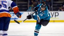 Joe Thornton of the San Jose Sharks in action against the New York Islanders at SAP Center on November 10, 2015 in San Jose, California. (Ezra Shaw/Getty Images)