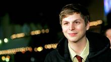 """Cast member Michael Cera poses at the premiere of """"Juno"""" at the Village theatre in Westwood, California December 3, 2007. (MARIO ANZUONI/MARIO ANZUONI/REUTERS)"""