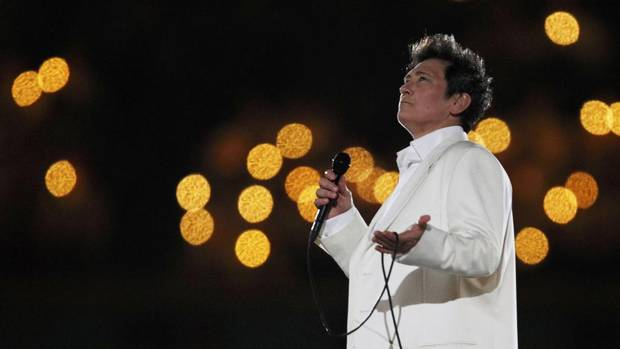 In pictures k d lang 39 s 7 greatest moments the globe for Lampen reuter