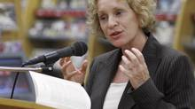 British writer Philippa Gregory speaks at a Dallas bookstore during a stop on her U.S. book tour Monday, Oct. 2, 2006. (RON HEFLIN/AP)