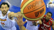 Spain's Jorge Garbajosa (L) vies with Canada's Jevohn Shepherd during the preliminary round match of the Group D between Spain and Canada at the FIBA World Basketball Championships in Izmir, on September 2, 2010. Spain won Canada 89-67. Getty Images/ FRANCK FIFE (FRANCK FIFE)