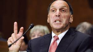 Former Lehman Brothers Chairman and CEO Richard Fuld delivers testimony before the Financial Crisis Inquiry Commission on Wednesday Sept. 1.