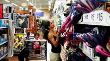 Shopping (Fernando Morales/Fernando Morales/THE GLOBE AND M)