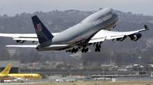 United Continental seeing no signs of recession: CEO (PAUL SAKUMA/AP)