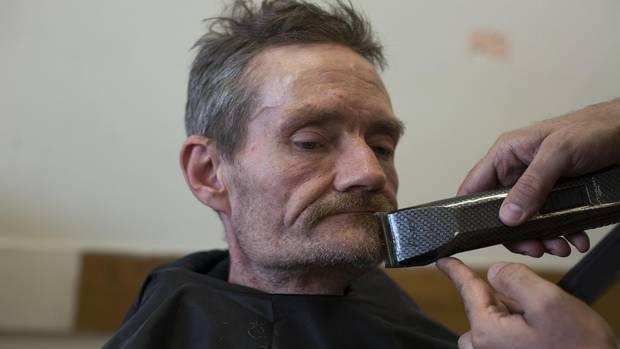 Esses Barbeiros Estão Dando Baixa Renda Vancouverites Mais Do Que Apenas Cortes De Cabelo