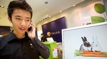 A Telus store in Toronto's Eaton's Centre (JENNIFER ROBERTS/JENNIFER ROBERTS/THE GLOBE AND M)