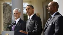UU.S. President Barack Obama announces new efforts to enforce U.S. trade rights with China, He is flanked by Commerce Secretary John Bryson, left, and U.S. Trade Representative Ron Kirk. (KEVIN LAMARQUE/KEVIN LAMARQUE/REUTERS)