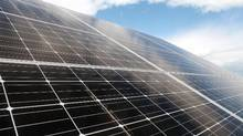 A SunEdison solar project is seen near Portland, Ont. in a July 17, 2014 file photo. SunEdison's shares have dropped 90 per cent, and while its two yieldcos – TerraForm Global Inc. and TerraForm Power Inc. – haven't fallen back to last year's lows, their dividend yields reflect deep investor skepticism about the future of their payouts. (Dave Chan For The Globe and Mail)