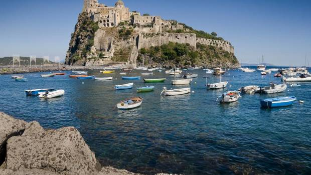 An idyllic mediterranean island without the tourist for Aragonese cuisine