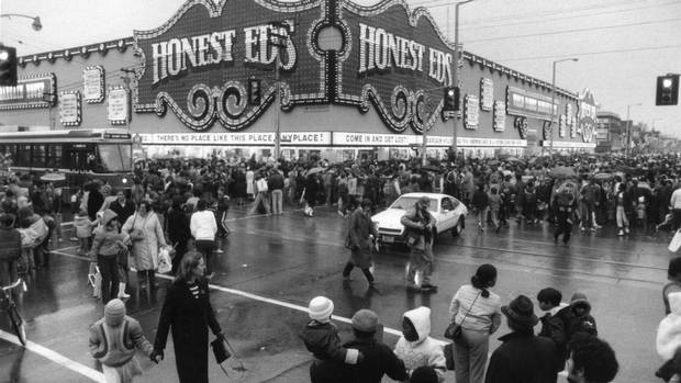 Crowds outside Honest Ed's in downtown Toronto, November 11, 1984, wait to see American TV celebrity Mr. T.