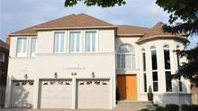 Richmond Hill home sells for almost $1-million over asking