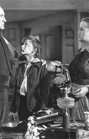 How Green Was My Valley wins Best Picture (1942) To this very day, cineastes belabor and bemoan the fact that John Ford's genteel portrait of life in a Welsh coal-mining town was named Best Picture over Orson Welles' stirring fictional biography of a ruthless publishing magnate (who every one pretty much knew was William Randolph Hearst). What they usually forget to point out is that same year Valley also beat out such film classics as The Maltese Falcon, Sergeant York and Alfred Hitchcock's Suspicion. Any one would have made more sense than the film that took home the trophy.